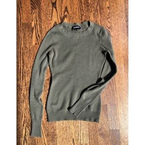 Express ▫️ olive sweater